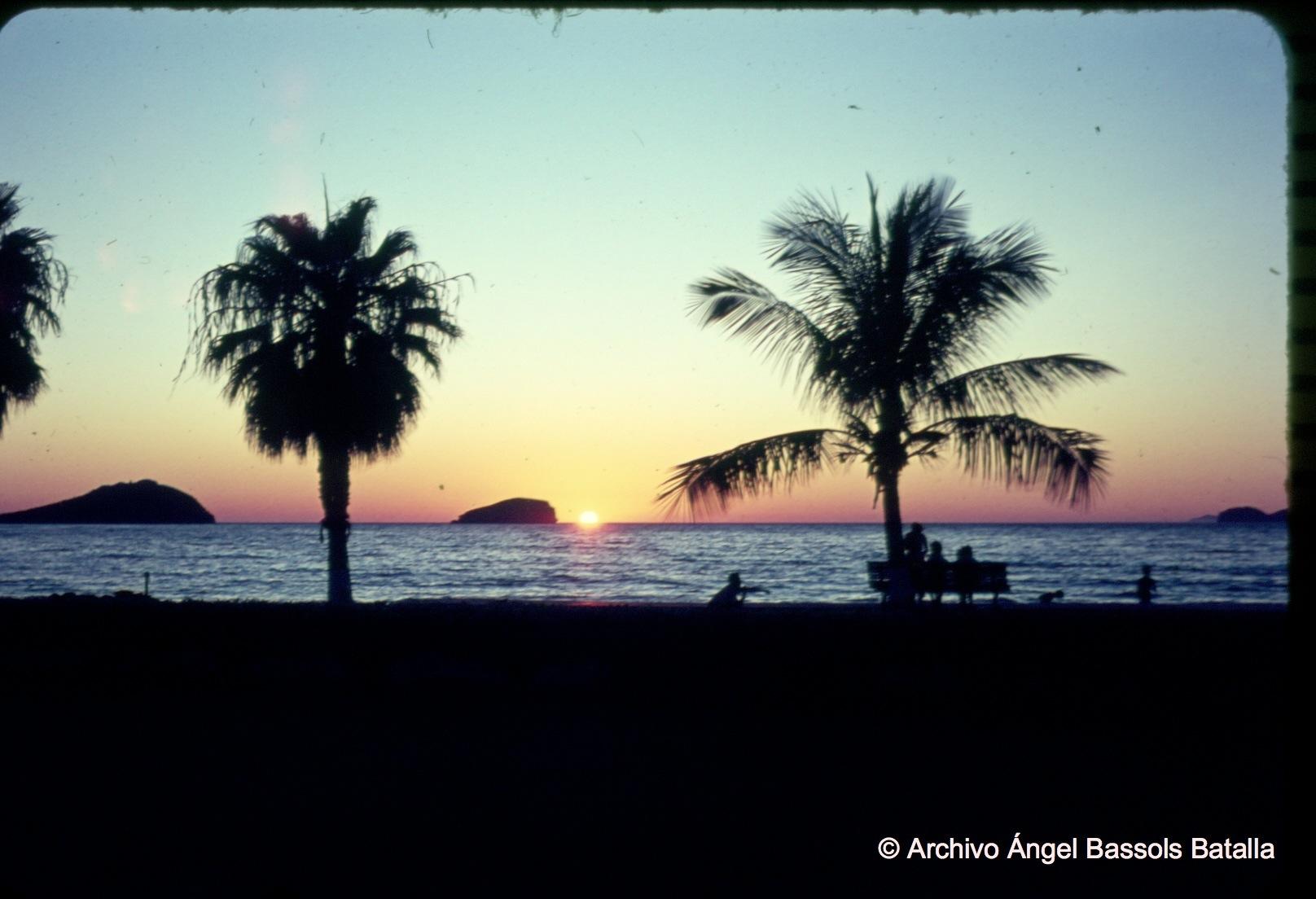 Atardecer en playa Miramar al Norte de Guaymas