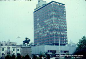 Zaragoza y edificio en Monterrey