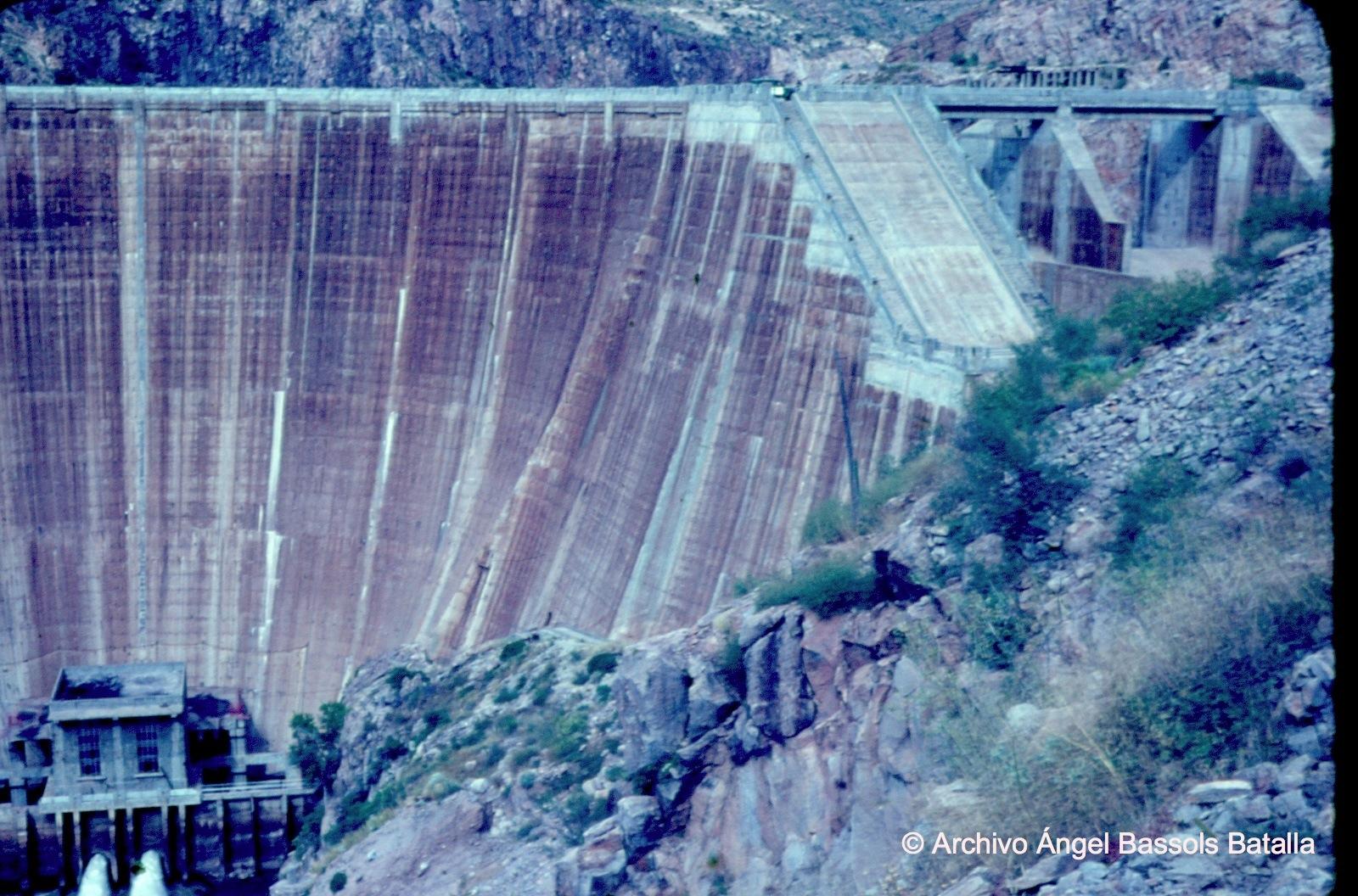 Cortina de la presa La Angostura