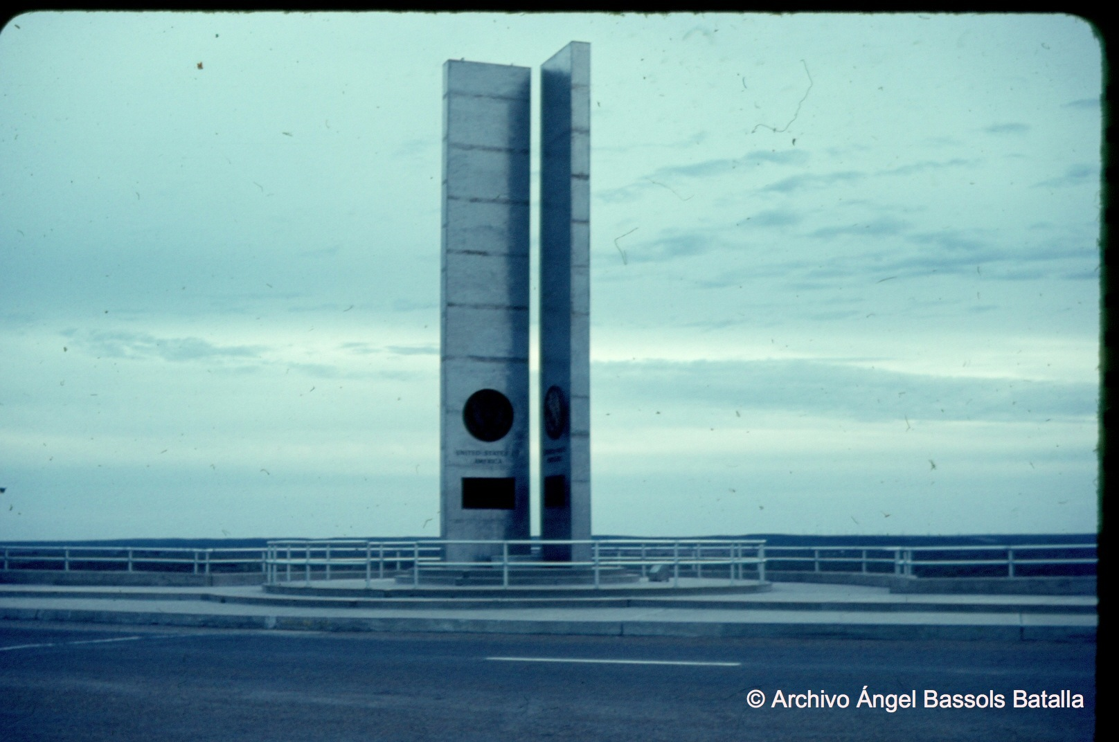 Monumento en presa Falcón