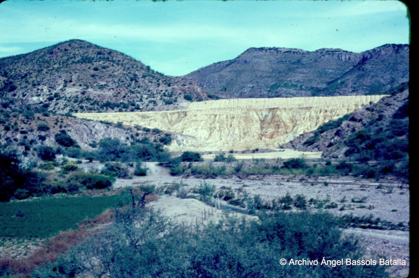 Desperdicios del mineral de cobre en Nacozari