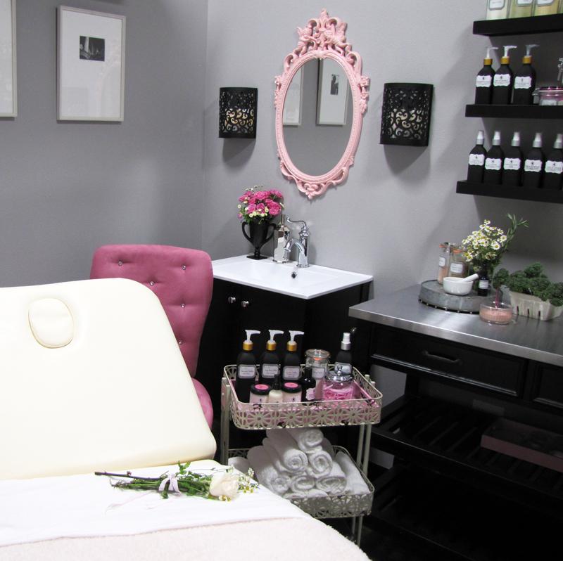 Merveilleuse Skin Care - Pink