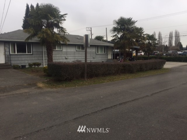 Image 2 For 10915 To 10917 58th Street Ct E