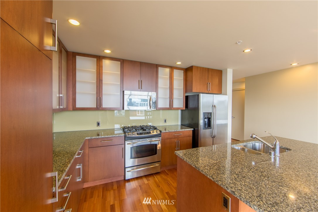 Image 11 For 2121 Terry Avenue N1603