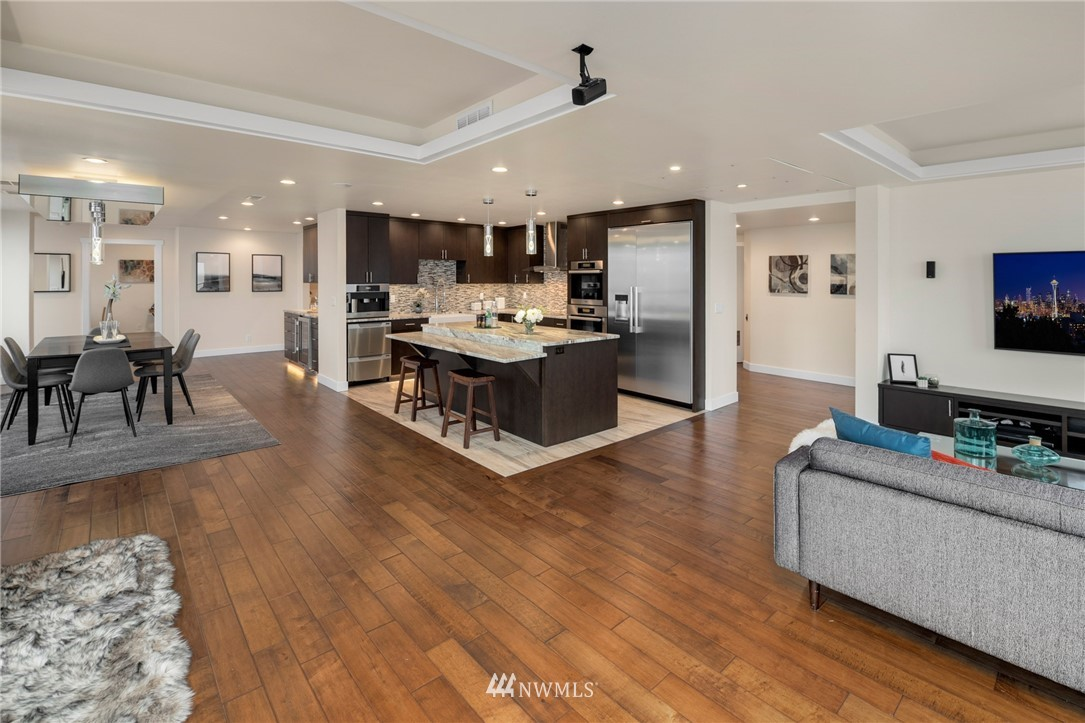 Image 3 For 1107 1st Avenue 1805