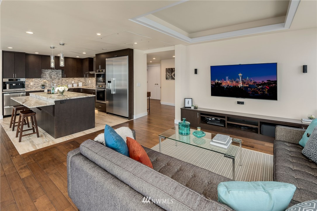 Image 4 For 1107 1st Avenue 1805