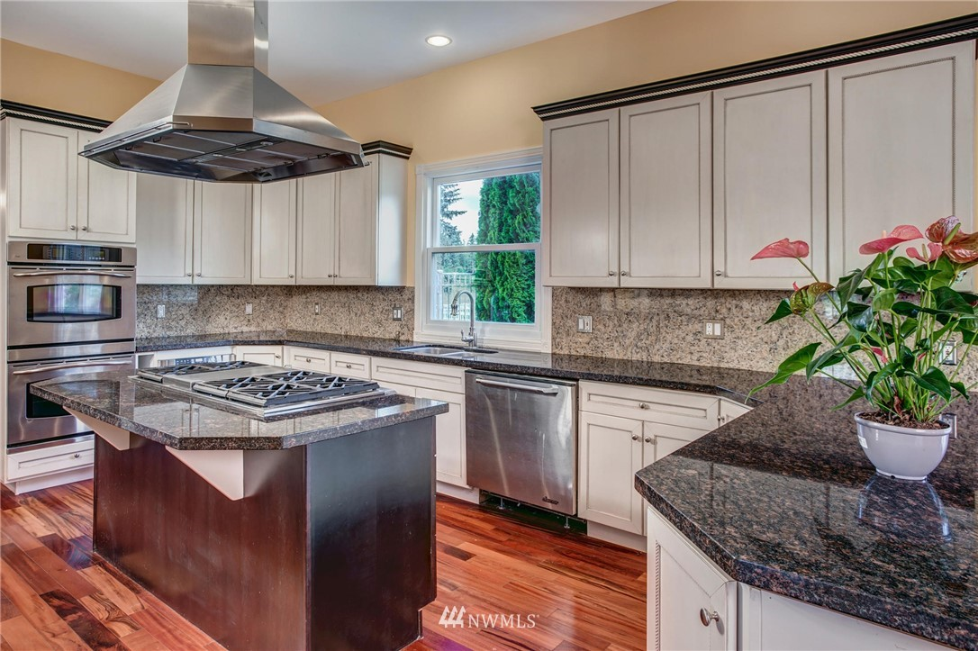 Image 11 of 34 For 21916 392nd Street