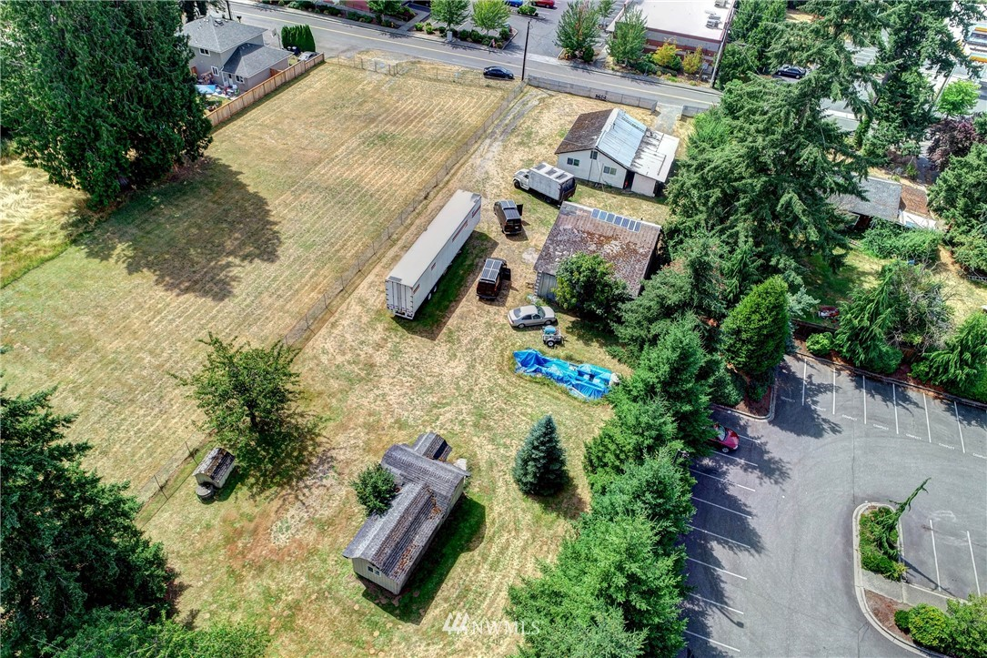 Image 18 of 20 For 8627 36th Ave Ne