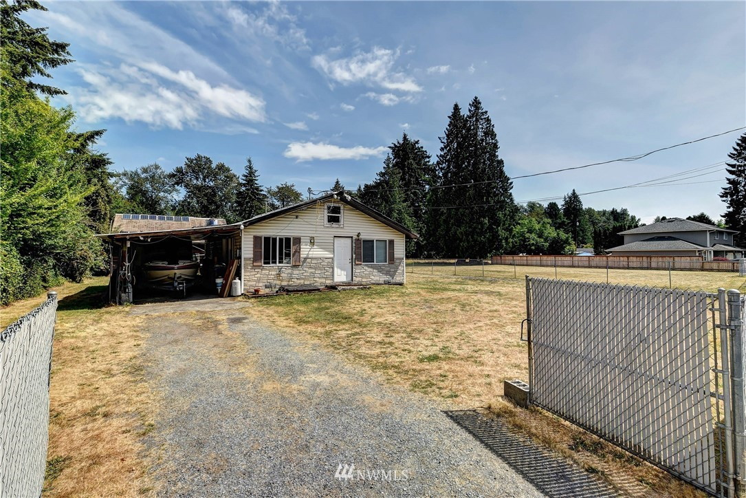 Image 2 of 20 For 8627 36th Ave Ne