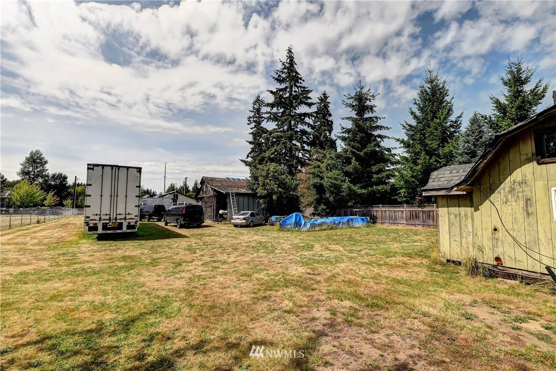 Image 4 of 20 For 8627 36th Ave Ne