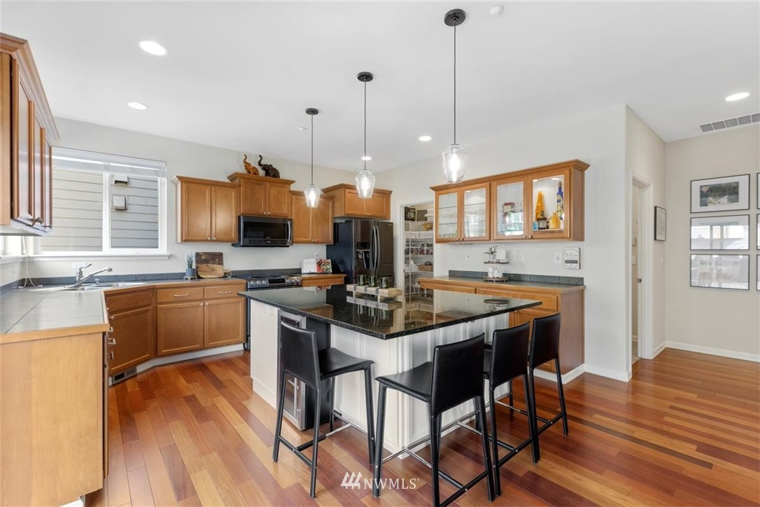 Image 15 For 906 48th Street