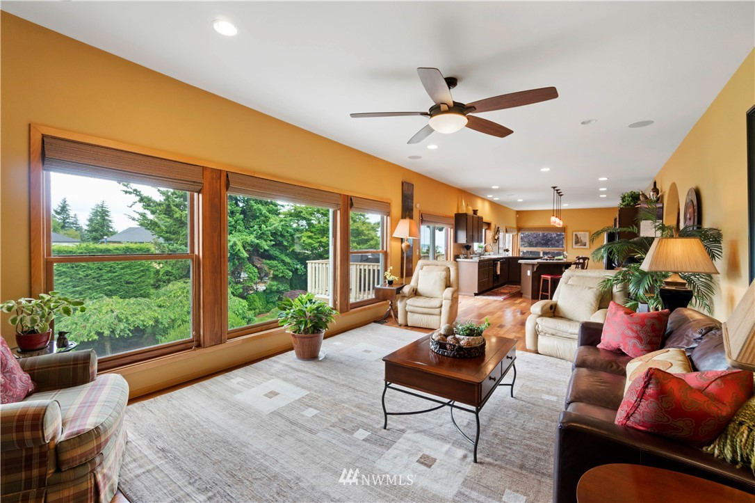 Image 11 of 27 For 30147 16th Avenue Sw