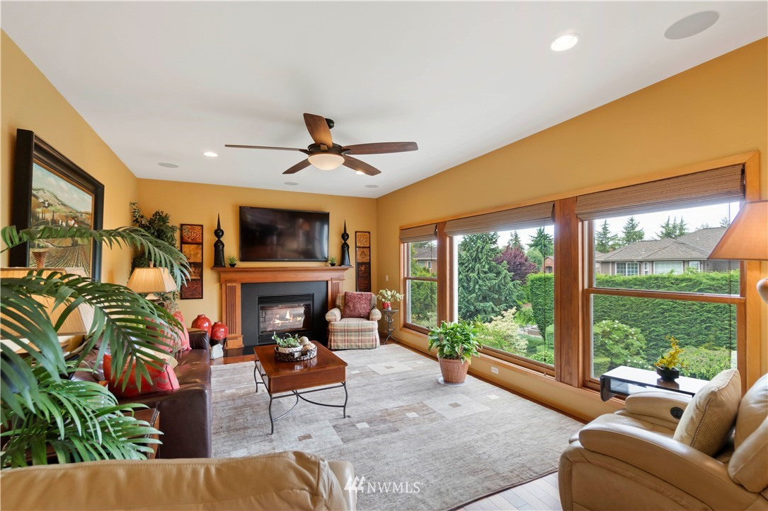 Image 12 of 27 For 30147 16th Avenue Sw