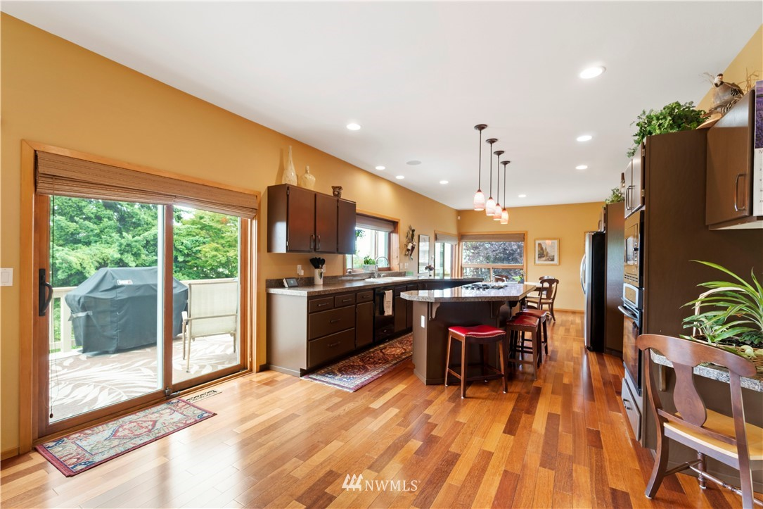 Image 13 of 27 For 30147 16th Avenue Sw