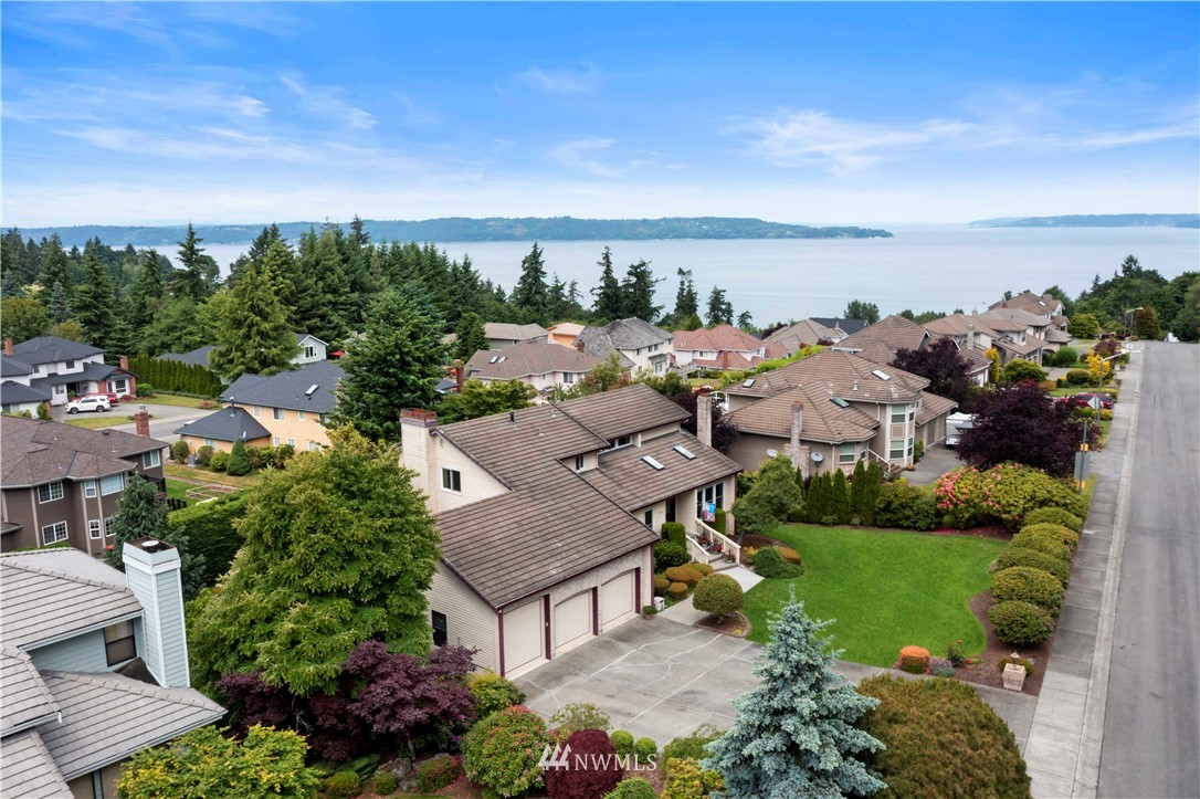 Image 2 of 27 For 30147 16th Avenue Sw