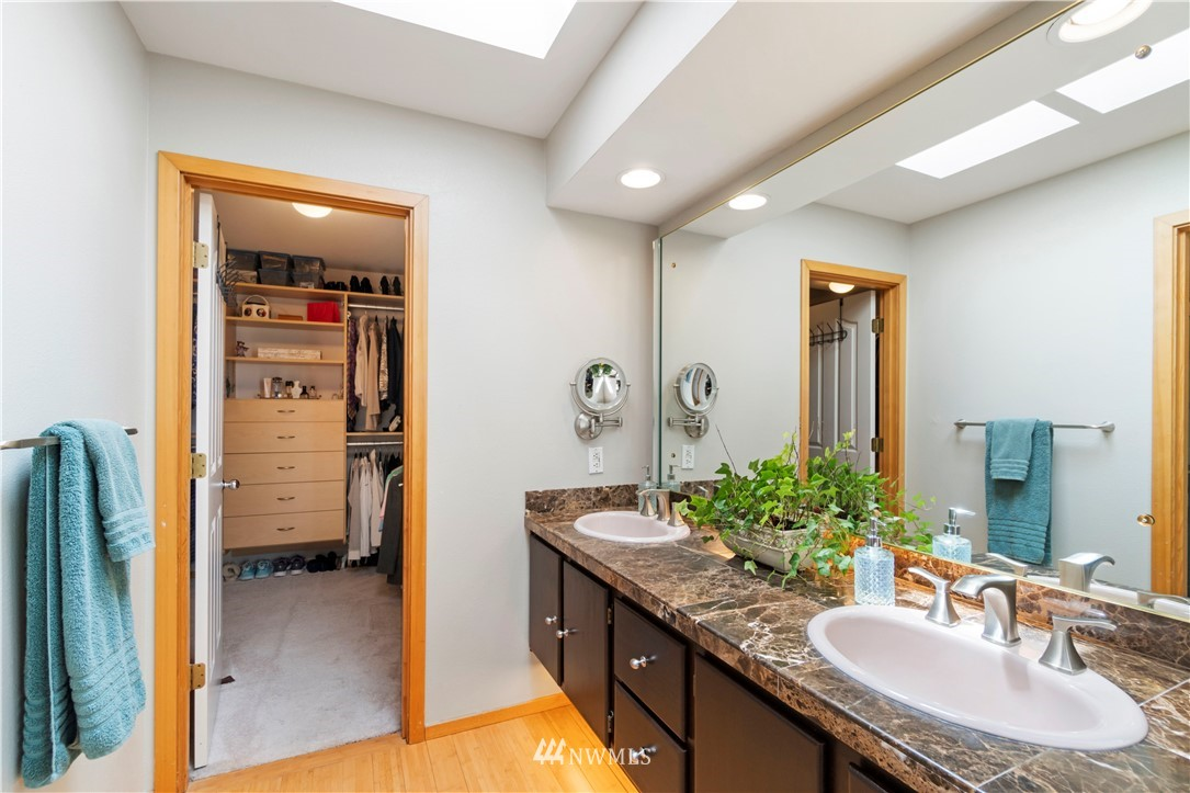 Image 22 of 27 For 30147 16th Avenue Sw