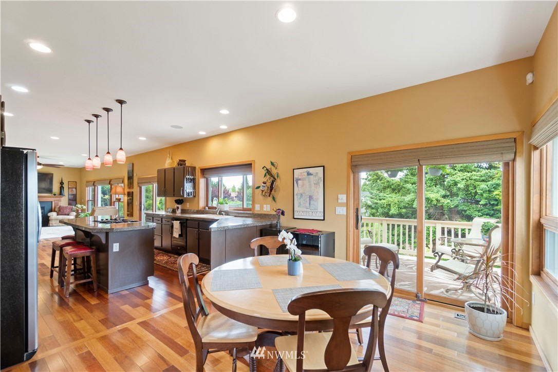 Image 7 of 27 For 30147 16th Avenue Sw
