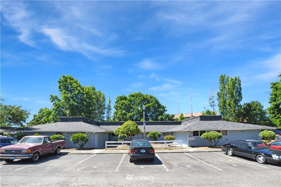 Details for 10839 200th Street, Kent, WA 98031