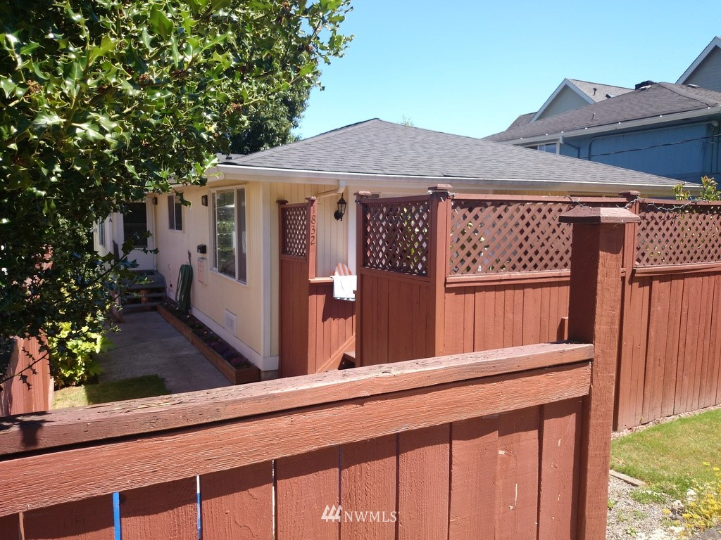 Details for 1832 27th Avenue, Seattle, WA 98122