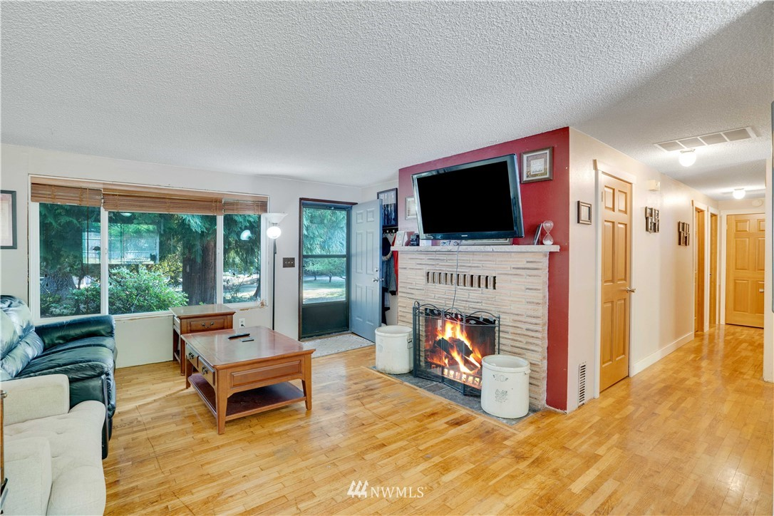 Image 4 For 16619 192nd Ave Se