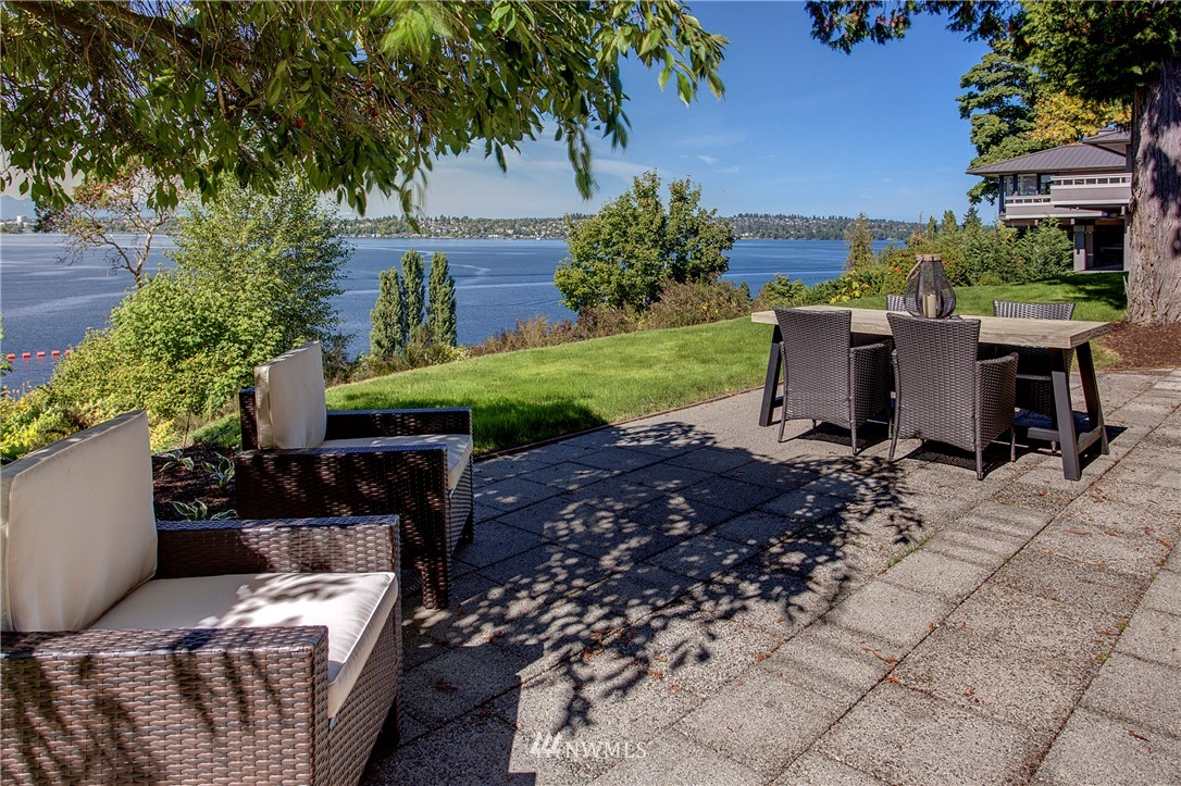 Details for 3217 Evergreen Point Road, Medina, WA 98039
