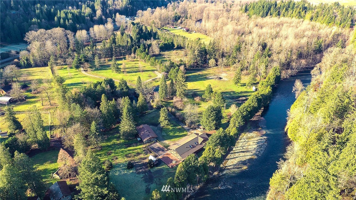 Details for 18700 Byers Road Se, Maple Valley, WA 98038