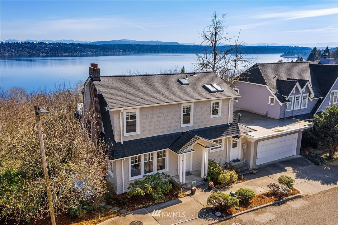 Details for 2004 34th Avenue S, Seattle, WA 98144