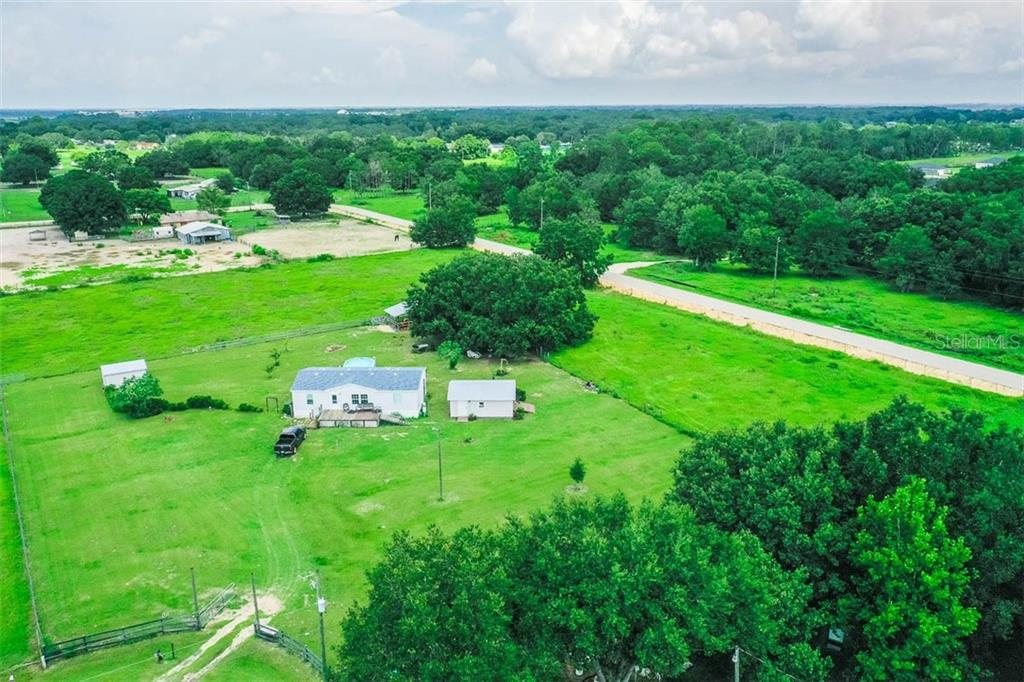 Listing photo id  for 318 Skyblue Lane
