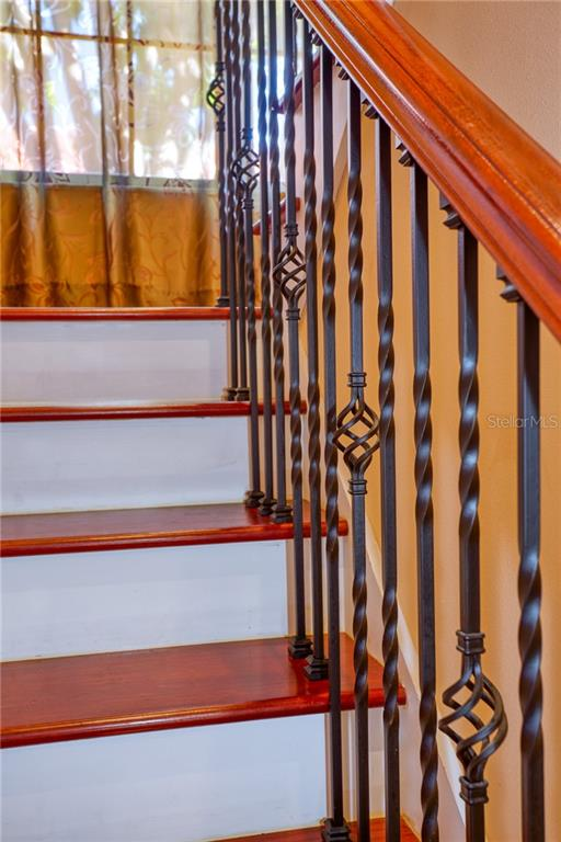 Image 37 For 1128 Red Maple Circle Ne