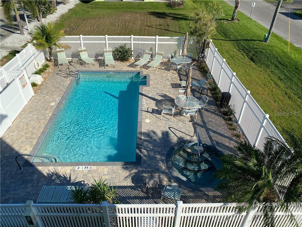 Listing photo id  for 211 Marcdale Boulevard