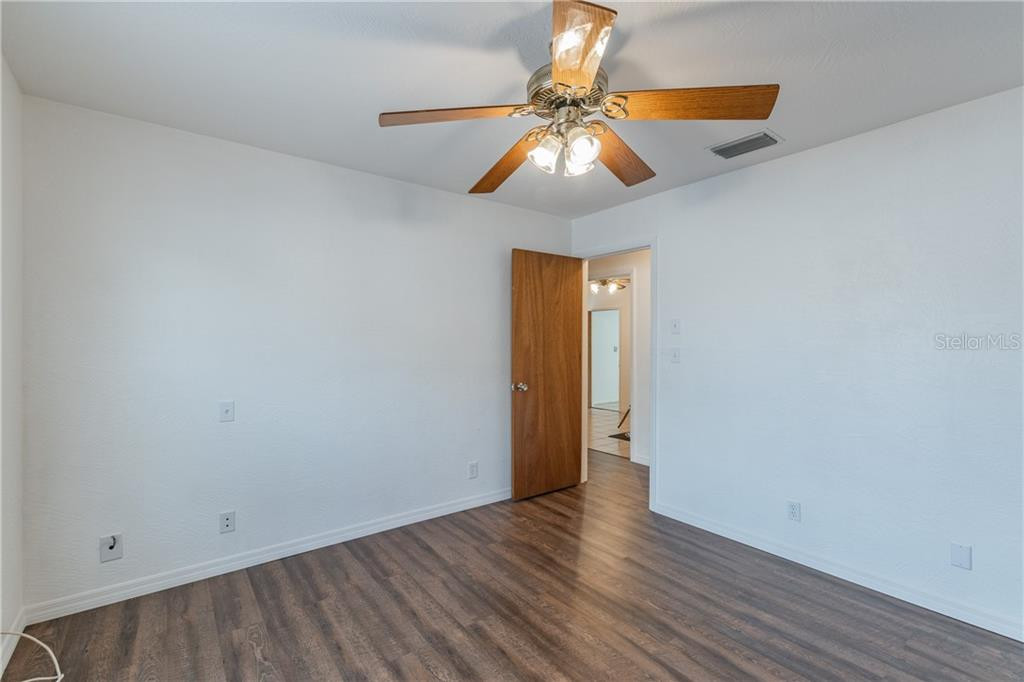 Image 14 For 2562 57th Avenue N
