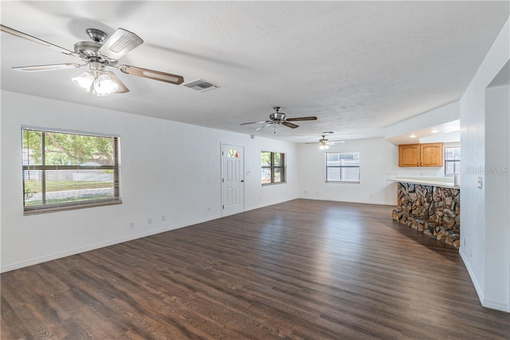 Image 3 For 2562 57th Avenue N