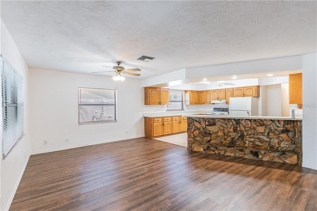 Image 6 For 2562 57th Avenue N