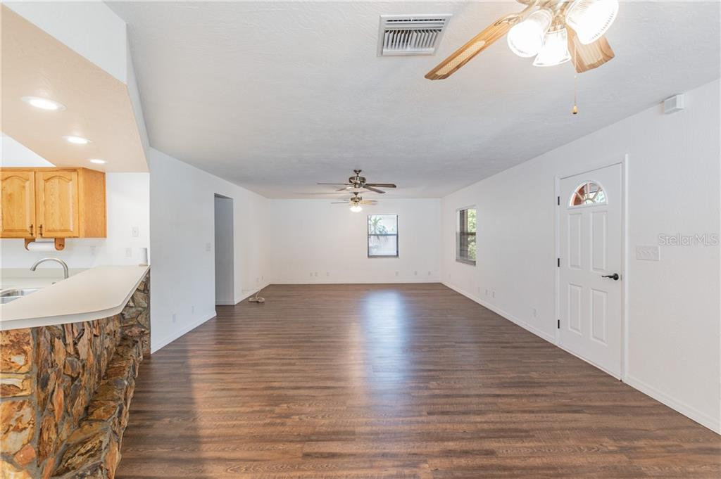 Image 7 For 2562 57th Avenue N