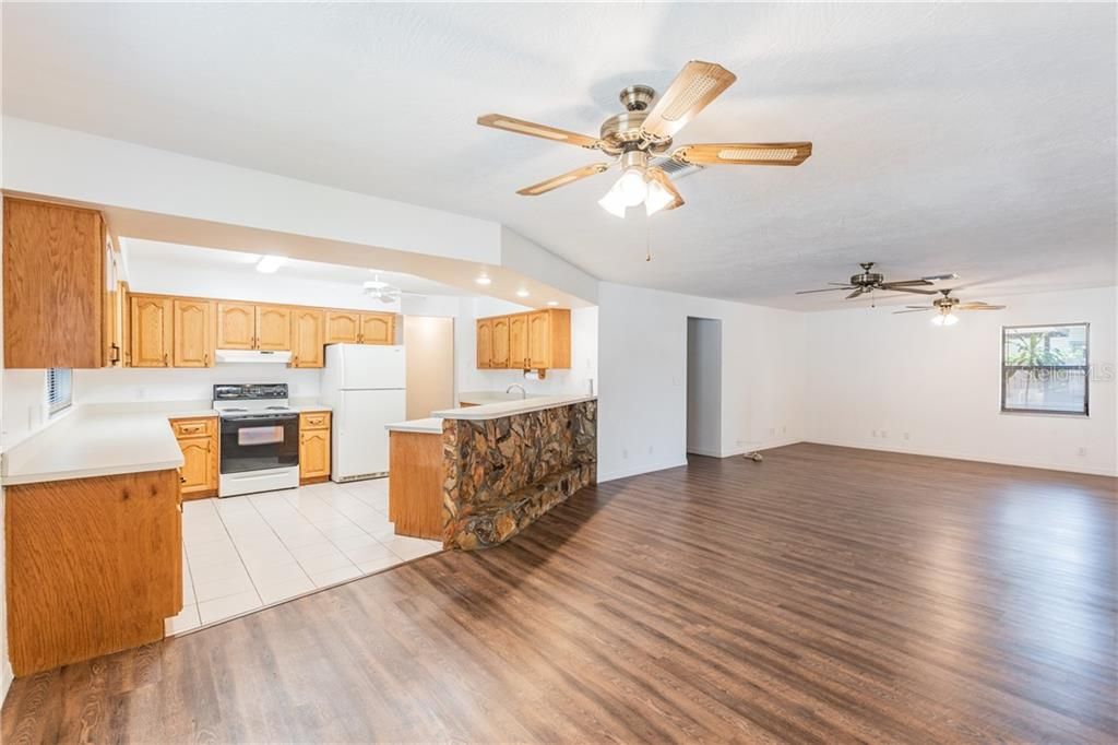 Image 8 For 2562 57th Avenue N