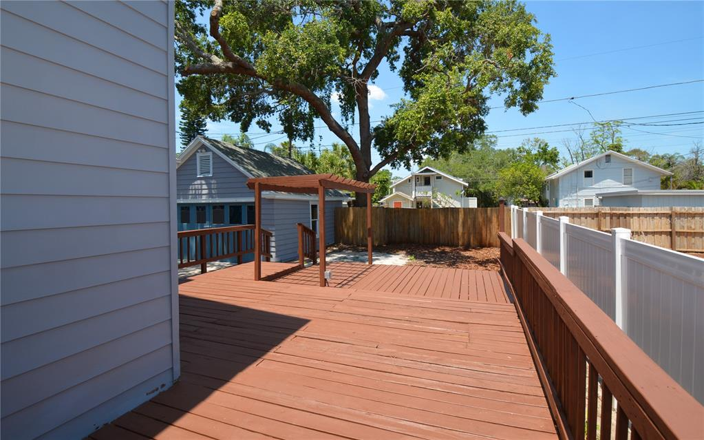 Image 35 For 235 21st Avenue N
