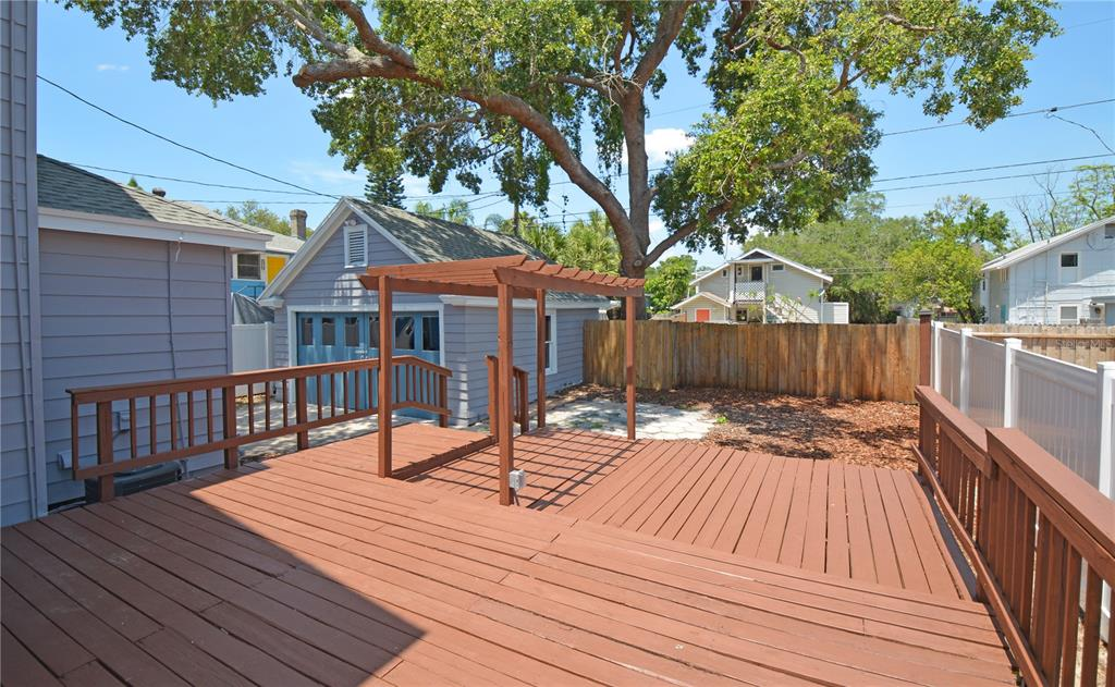 Image 36 For 235 21st Avenue N
