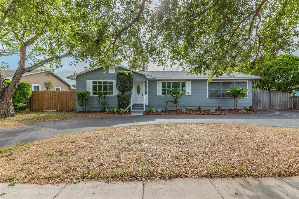 Image 2 For 2918 49th Street N