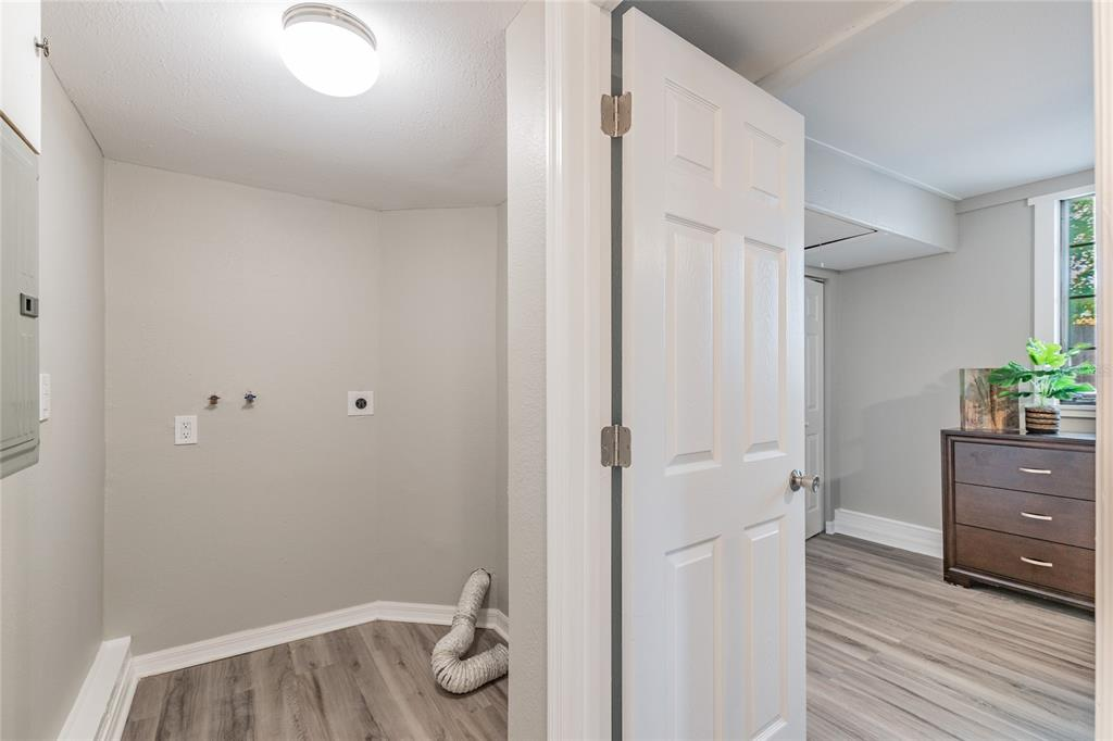 Image 29 For 2918 49th Street N