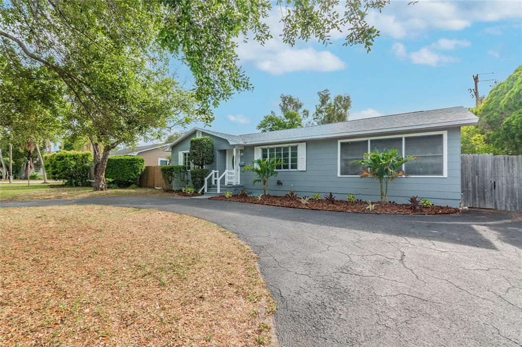 Image 3 For 2918 49th Street N