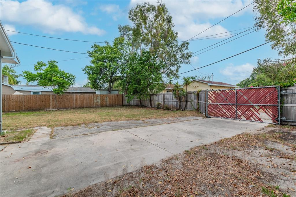 Image 30 For 2918 49th Street N