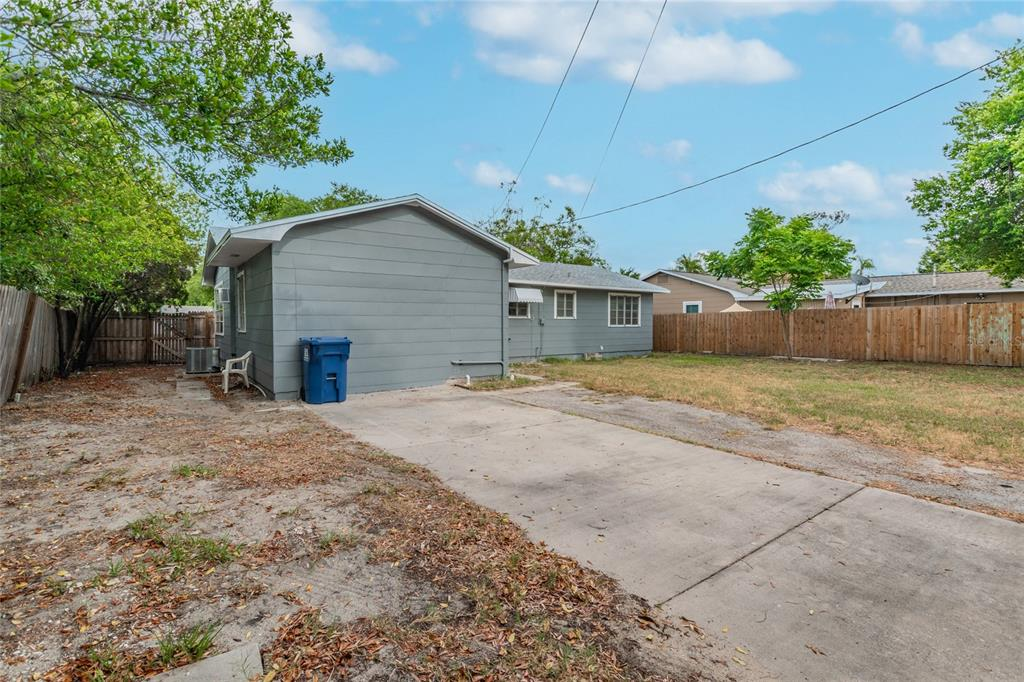 Image 31 For 2918 49th Street N