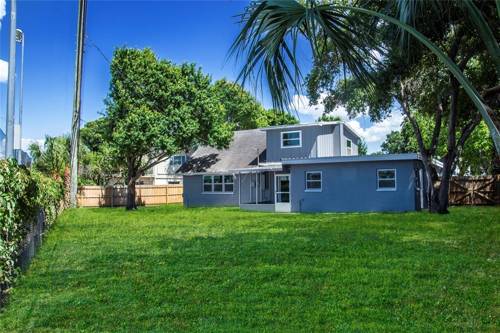 Image 2 For 12755 83rd Avenue
