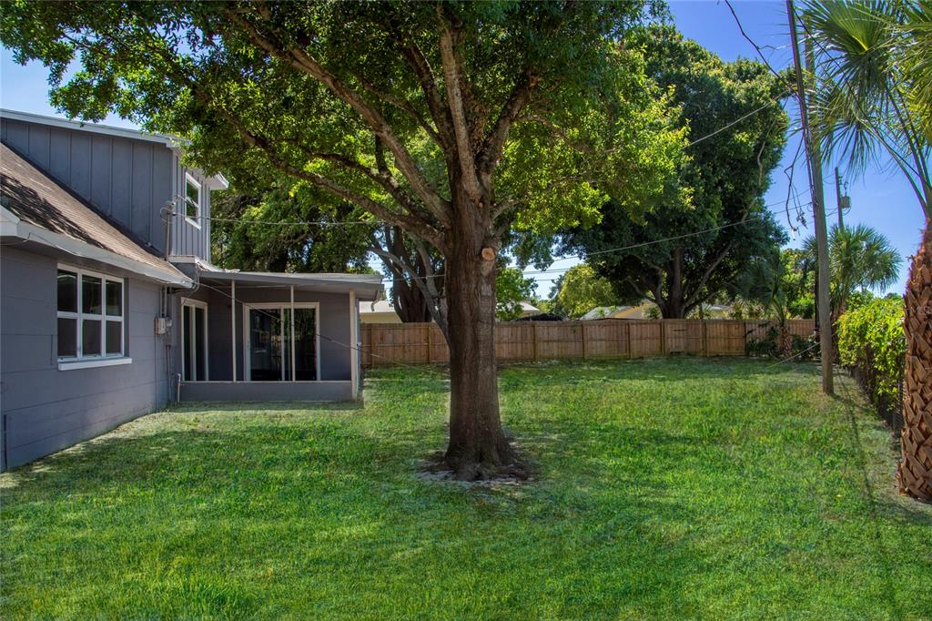 Image 3 For 12755 83rd Avenue