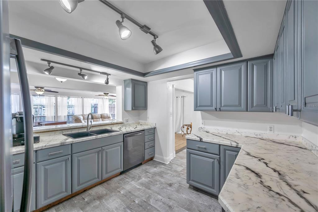 Image 10 For 236 2nd Street W
