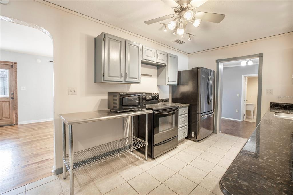 Image 3 For 220 62nd Street N