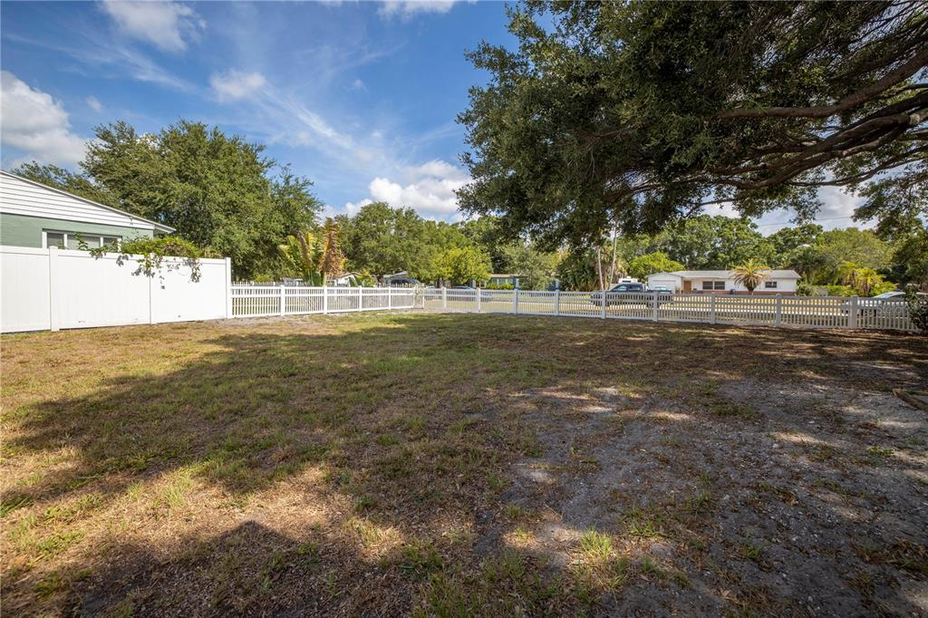 Image 41 For 220 62nd Street N