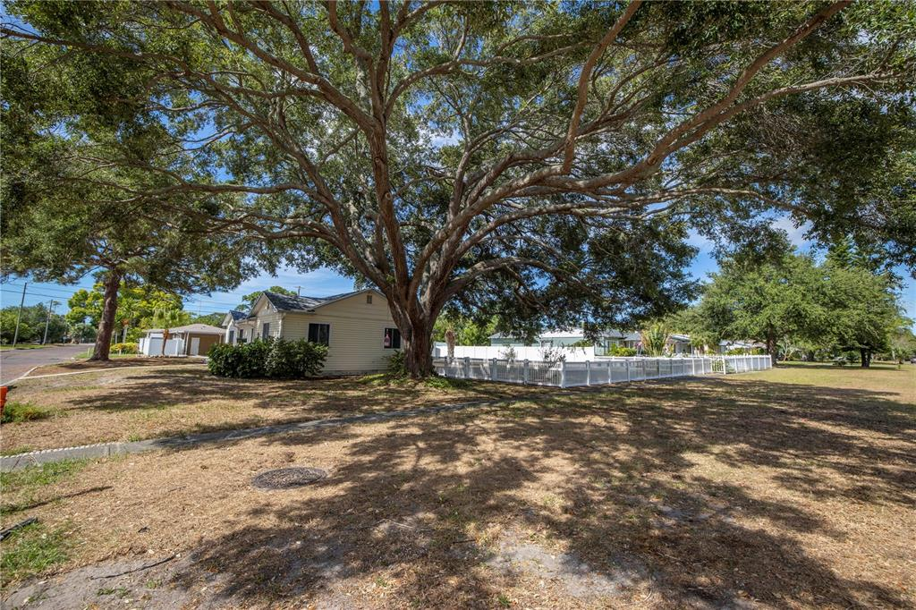 Image 43 For 220 62nd Street N