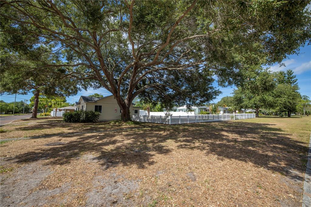 Image 44 For 220 62nd Street N