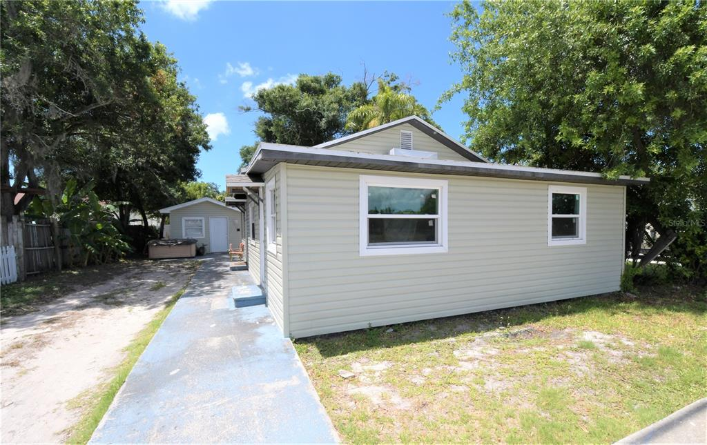 Image 2 For 6684 54th Avenue N
